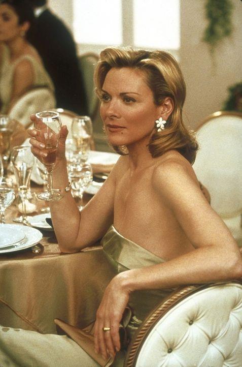 Mirandas Innendekorateur heiratet und lädt die vier Freundinnen ein. Samantha (Kim Cattrall) ist alles andere als begeistert ... - Bildquelle: 2001 Paramount Pictures