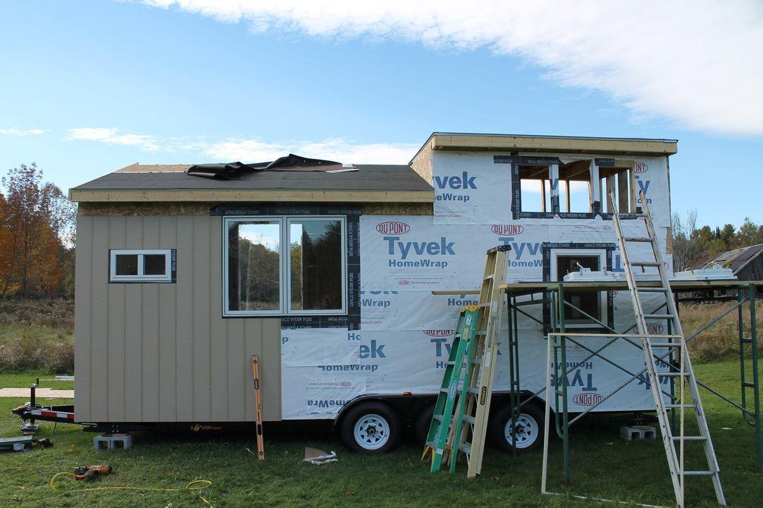 Mit recycelten Materialien will Chrissy ein kleines Haus bauen - auf jeden Fall soweit es möglich ist ... - Bildquelle: 2016, HGTV/Scripps Networks, LLC. All Rights Reserved.