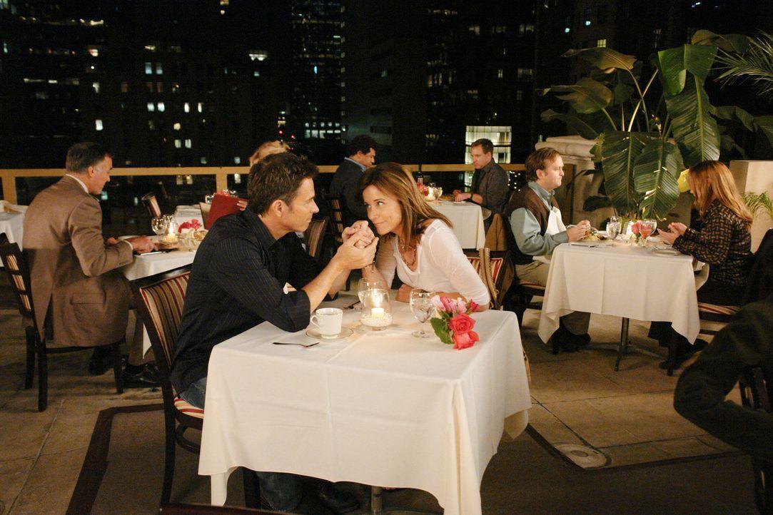 Petes (Tim Daly, l.) Freundin Meg (Jayne Brook, r.) kommt zurück nach Los Angeles und muss feststellen, dass Pete und Violet sich nähergekommen sind... - Bildquelle: ABC Studios