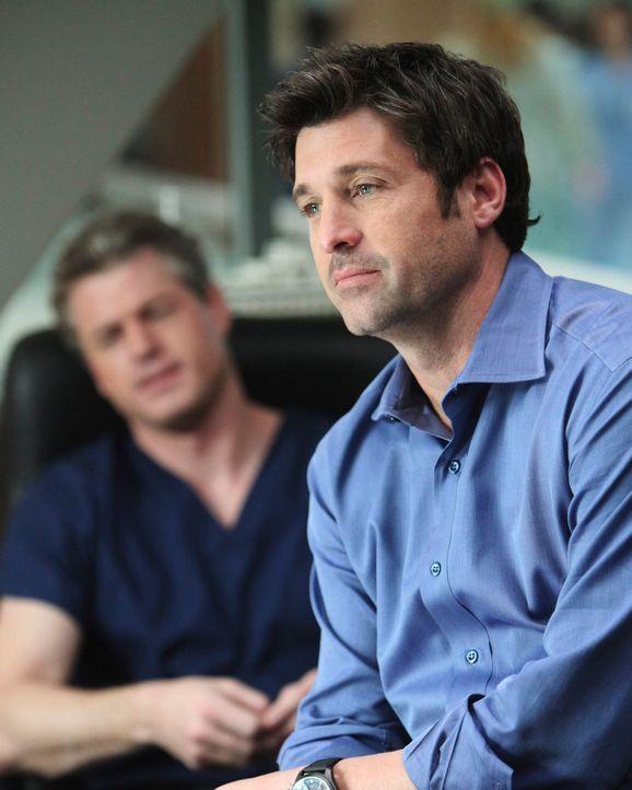 Während Derek (Patrick Dempsey, r.) seine Probleme als Interimschef hat, lässt Mark (Eric Dane, l.) Lexie abblitzen, der er den Seitensprung mit Ale... - Bildquelle: Touchstone Television