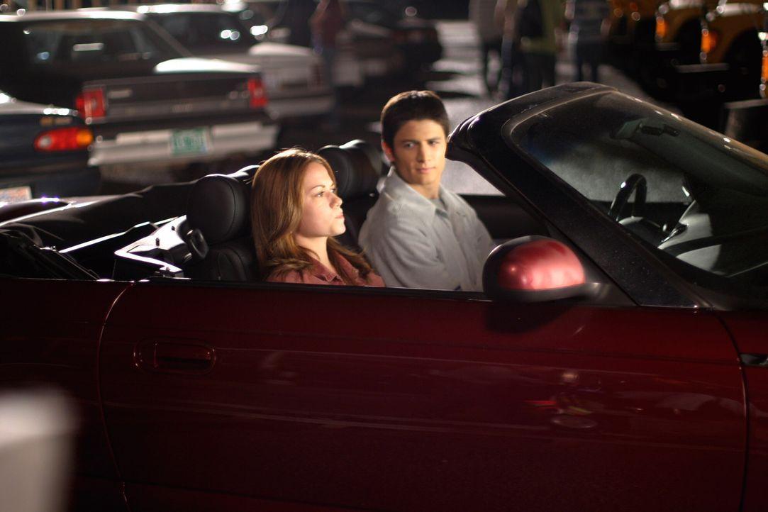 Haley (Bethany Joy Lenz, l.) fühlt sich von Nathan (James Lafferty, r.) unter Druck gesetzt und weiß nicht genau, wie es weitergehen soll, da sie... - Bildquelle: Warner Bros. Pictures