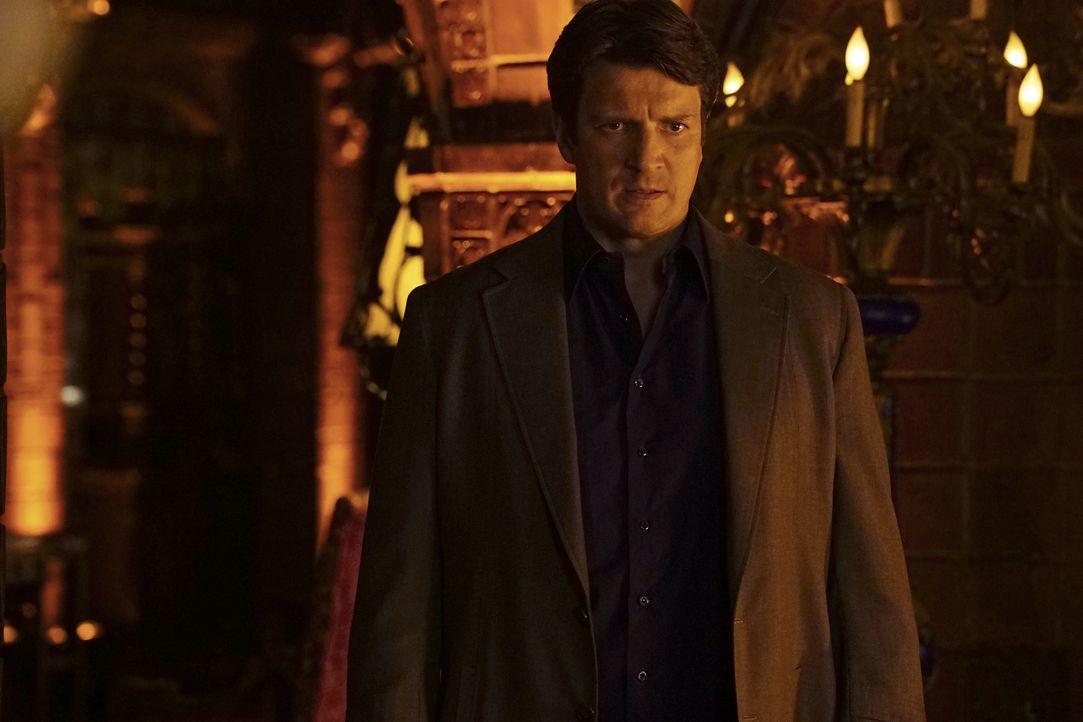 Castle (Nathan Fillion) soll für die Greatest Detective Society den Mord an einem ihrer Mitglieder aufklären. Im Gegenzug möchte er ihr beitreten kö... - Bildquelle: Richard Cartwright 2016 American Broadcasting Companies, Inc. All rights reserved. / Richard Cartwright