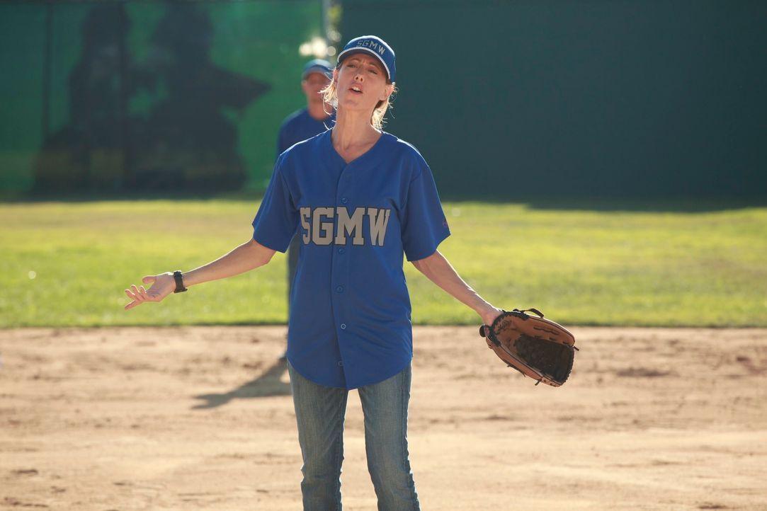 Owen hat das Krankenhaus zu einer Softball-Liga angemeldet und die Ärzte trainieren nun für das anstehende Spiel. Doch eine wirklich gute Figur mach... - Bildquelle: ABC Studios