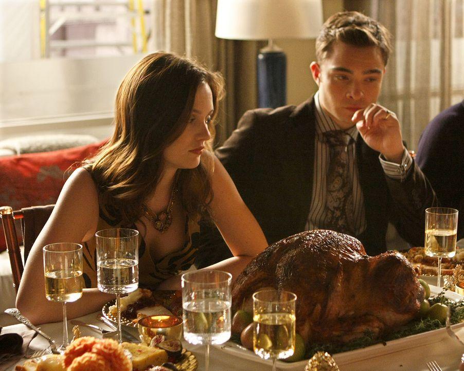 Thanksgiving ist dieses Jahr wohl auch für Blair (Leighton Meester, l.) und Chuck (Ed Westwick, r.) eine Pleite - Bildquelle: Warner Brothers