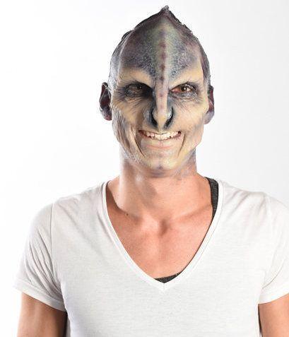 Sexy Beasts: Willi, der Alien, kann Gedichte schreiben - Bildquelle:  sixx / Andre Kowlaski