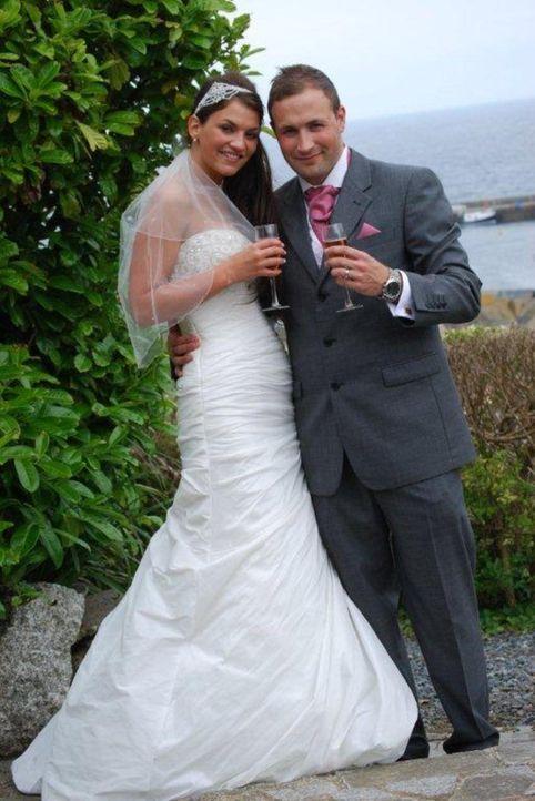 Kann Adam die perfekt Hochzeit für sich und seine Braut Lydia organisieren? - Bildquelle: Renegade Pictures Ltd
