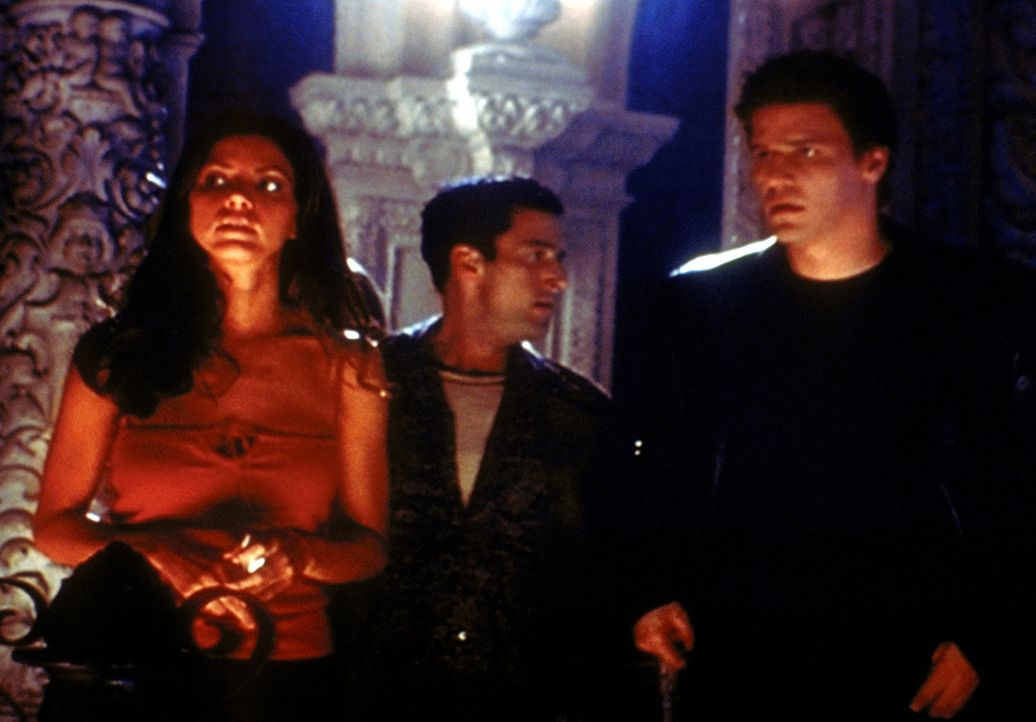 Angel (David Boreanaz, r.), Doyle (Glenn Quinn, M.) und Cordelia (Charisma Carpenter, l.) haben dem Bösen den Kampf angesagt. - Bildquelle: TM +   2000 Twentieth Century Fox Film Corporation. All Rights Reserved.