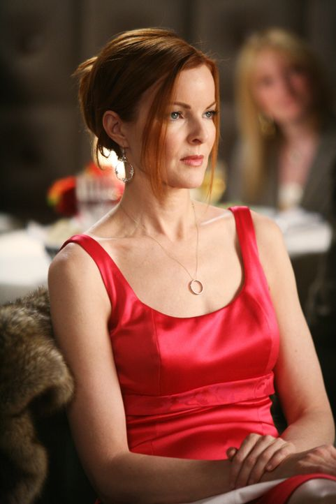 Bree (Marcia Cross) geht alleine zum Essen und genehmigt sich dabei einmal mehr ein paar Gläser Wein zu viel ... - Bildquelle: 2005 Touchstone Television  All Rights Reserved