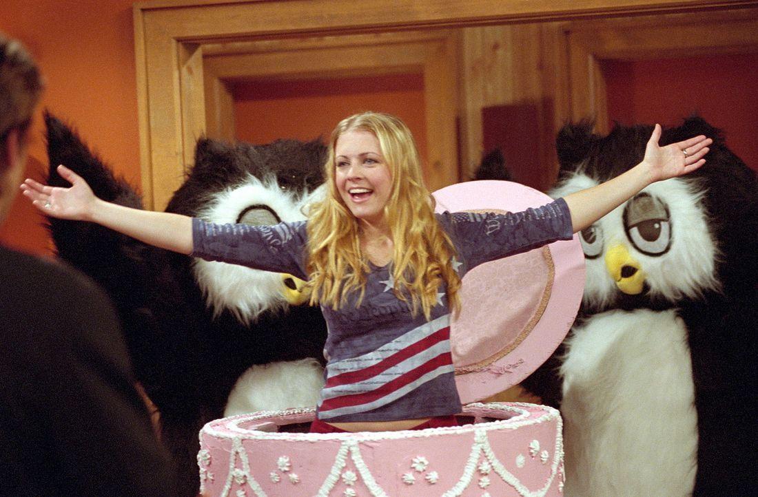 Wenn Sabrina (Melissa Joan Hart, r.) und Peter (Greg Vaughn, l.) nicht heiraten, sorgt Tante Irma für  ein Unglück ... - Bildquelle: Paramount Pictures