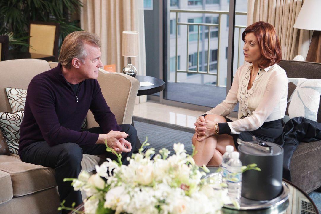 Addison (Kate Walsh, r.) bekommt Besuch von ihrem Vater (Stephen Collins, l.), mit dem sie eigentlich nichts mehr zu tun haben will ... - Bildquelle: ABC Studios