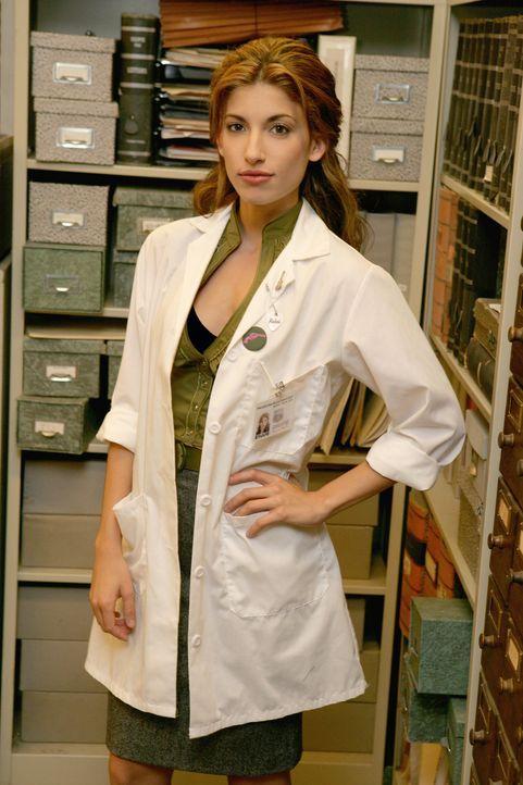 Im Labor auf Spurensuche: Frankie (Tania Raymonde) - Bildquelle: Warner Bros. Television