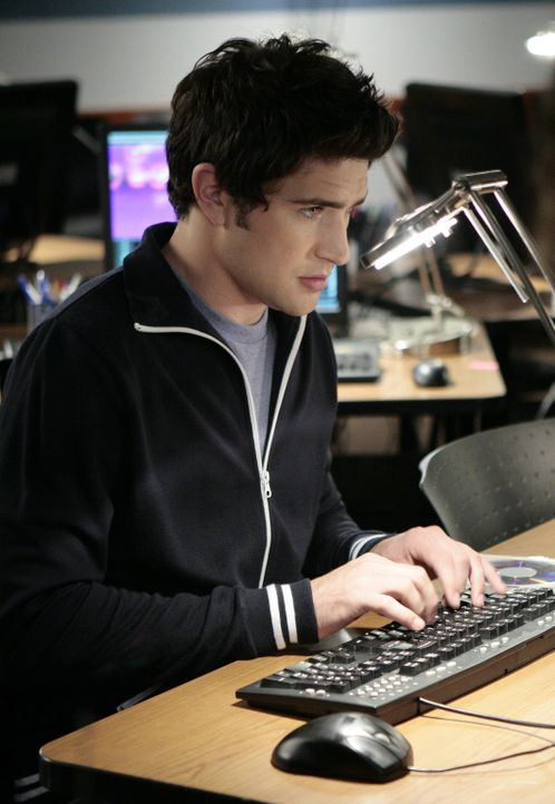 Er will Jessi überraschen und sucht Informationen über ihre Mutter heraus: Kyle (Matt Dallas) ahnt jedoch nicht, was das für Folgen hat ... - Bildquelle: TOUCHSTONE TELEVISION