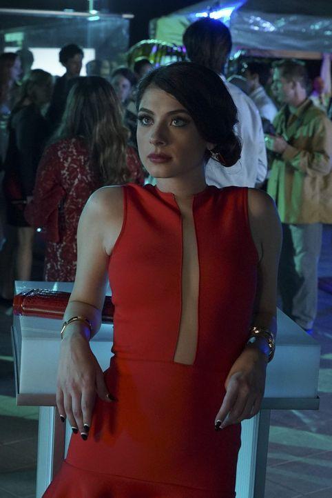 """Als Alexis (Niki Koss) erfährt, dass die weibliche Hauptrolle an Rainers Seite in """"Locked"""" an Paige und nicht an sie geht, ist sie außer sich und wi... - Bildquelle: Warner Bros."""
