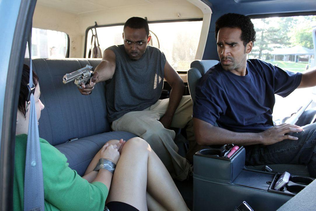 John Lewis (l.) und Vincent Hubbard (r.) lassen keines ihrer Opfer am Leben ... - Bildquelle: M2 Pictures