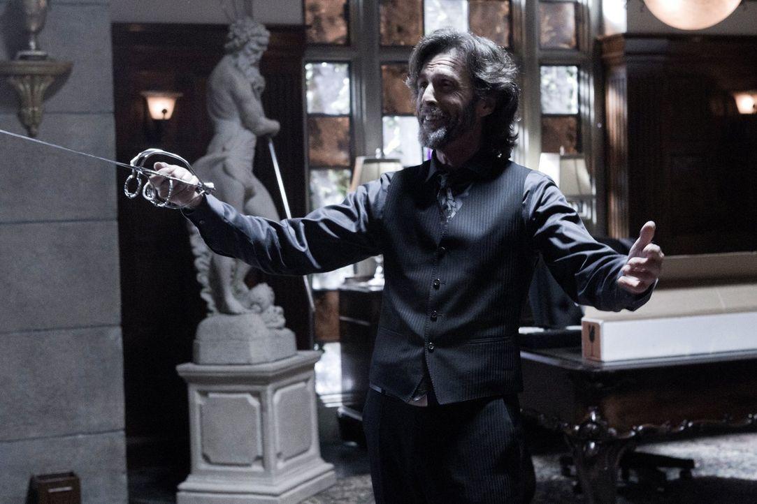 Hat Clark in einem Paralleluniversum zu einem Mörder erzogen: Lionel Luthor (John Glover) ... - Bildquelle: Warner Bros.