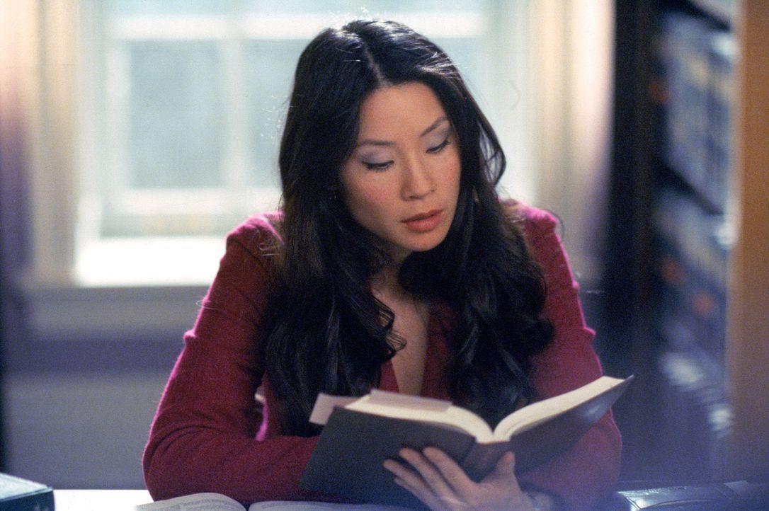 Der neue Angestellte in der Kanzlei kennt Ling (Lucy Liu) bereits aus früheren Tagen ... - Bildquelle: 2001 Twentieth Century Fox Film Corporation. All rights reserved.