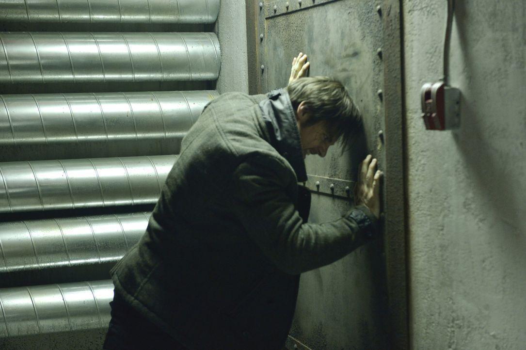 Muirfield ist es tatsächlich gelungen, Vincent (Jay Ryan) gefangen zu nehmen. Gibt es eine Chance für ihn, zu entkommen? - Bildquelle: Ben Mark Holzberg 2013 The CW Network, LLC. All rights reserved.