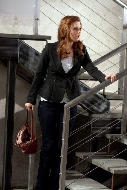 Megan (Joanna Garcia) ist sinksauer, als ihr klar wird, dass sie den Job nur wegen ihrer Beziehung mit Will nicht bekommen hat ... - Bildquelle: Warner Bros. Television