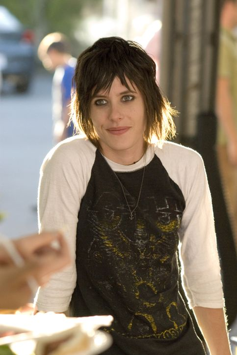 Die Party vor ihrem Laden wird ein voller Erfolg: Shane McCutcheon (Katherine Moennig) - Bildquelle: 2007 SHOWTIME NETWORKS INC. ALL RIGHTS RESERVED.