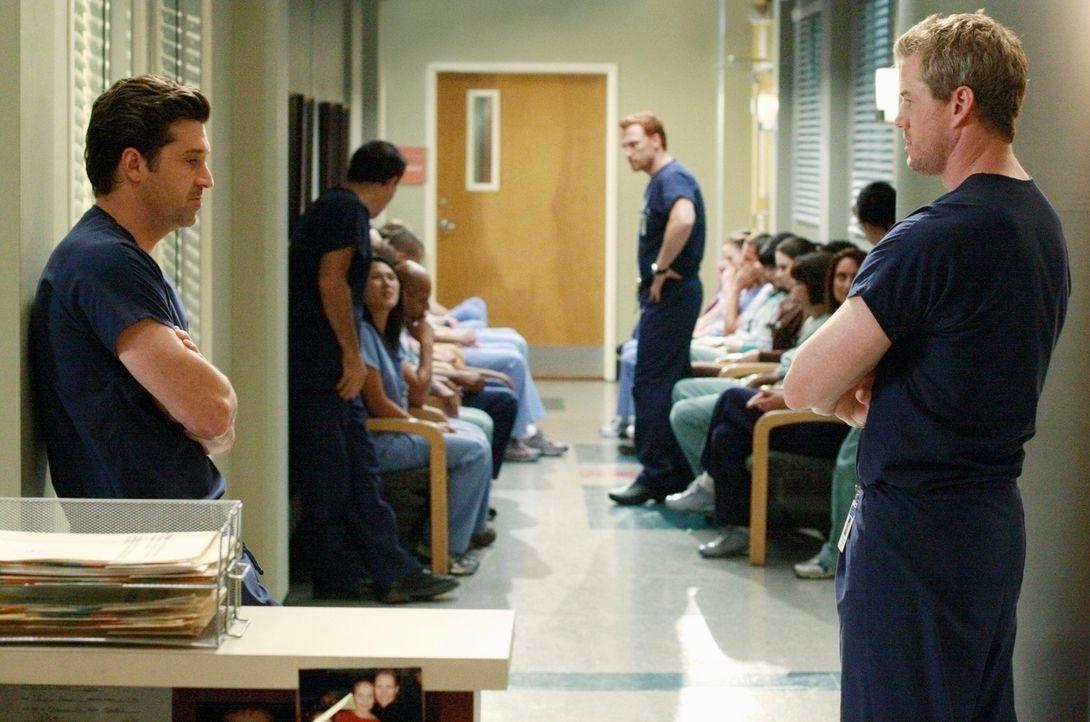 Ein Fehler lässt alle Mitarbeiter des Seattle Grace Hospital um ihren Job bangen: Derek (Patrick Dempsey, l.), Marc (Eric Dane, r.) und Owen (Kevin... - Bildquelle: Touchstone Television