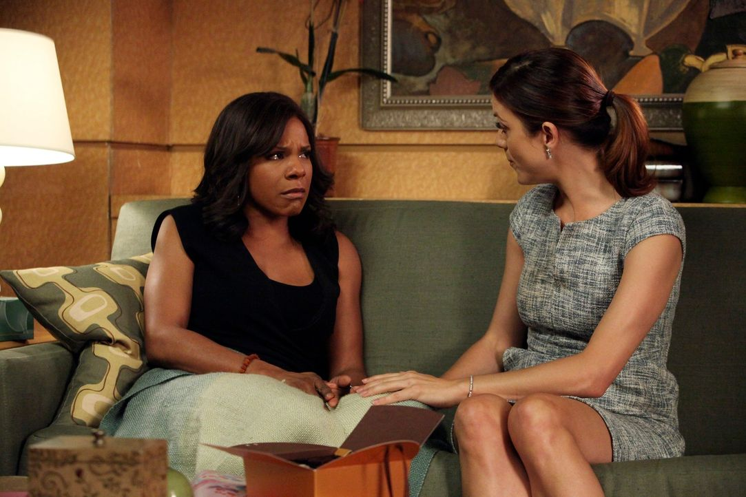 Müssen sich um die Zukunft der Praxis Gedanken machen: Naomi (Audra McDonald, l.) und Addison (Kate Walsh, r.) ... - Bildquelle: ABC Studios
