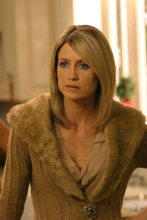 Als Kirsten (Kelly Rowan) nach Jahren erfährt, dass sie eine Halbschwester hat, ist sie entsetzt ... - Bildquelle: Warner Bros. Television