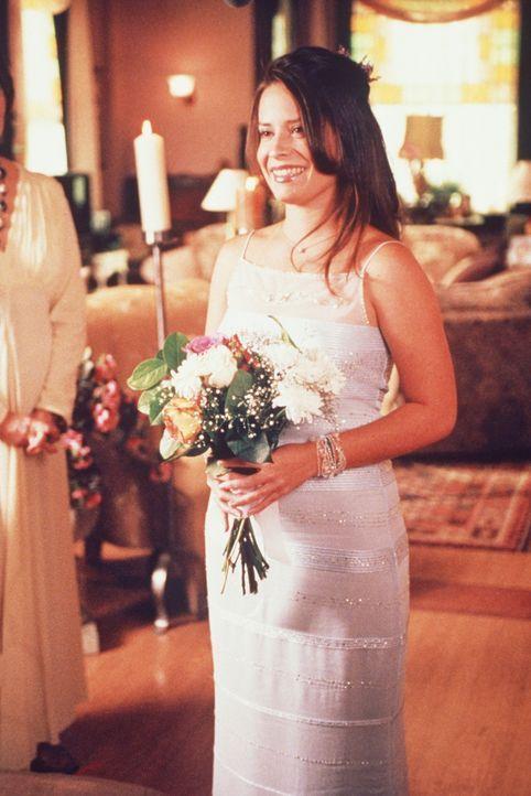 Ihr Tag ist gekommen: Piper (Holly Marie Combs) schreitet zum Altar. - Bildquelle: Paramount Pictures