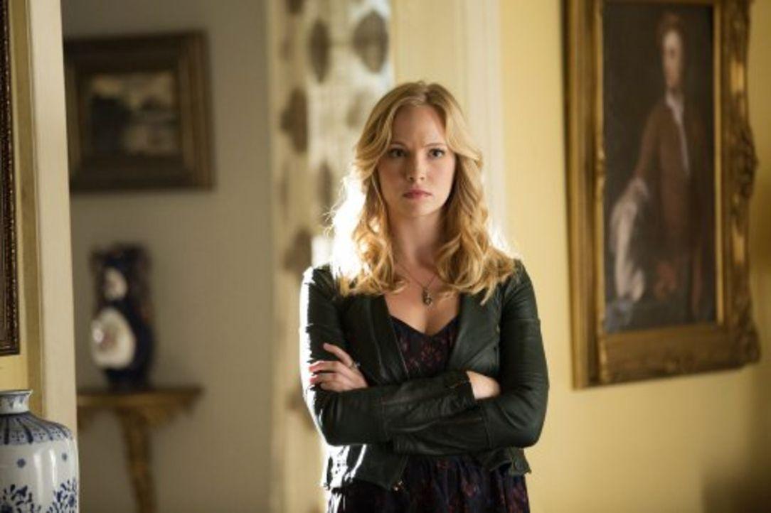 Innerhalb einer Sekunde stirbt Carolines (Candice Accola) Vertrauen in Tyler ... - Bildquelle: Warner Brothers
