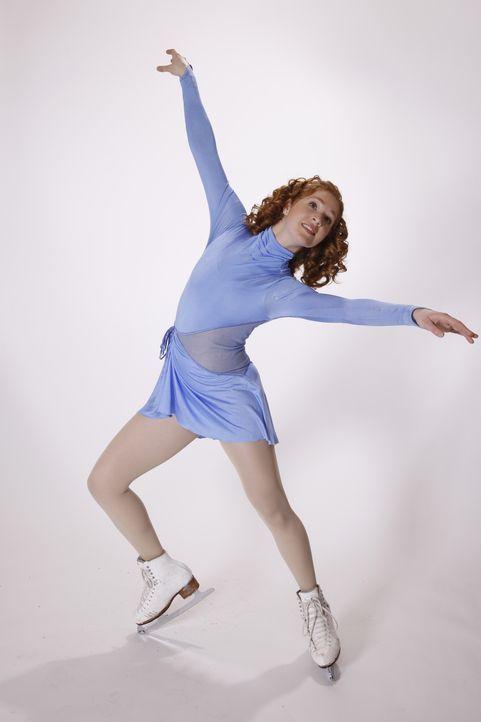 Als Teenager und begeisterte Eiskunstläuferin Lexi (Taylor Firth) von einem berühmten Trainer entdeckt wird, bietet dieser ihr die Chance ihres Lebe... - Bildquelle: 2010 Stage 6 Films, Inc. All Rights Reserved.