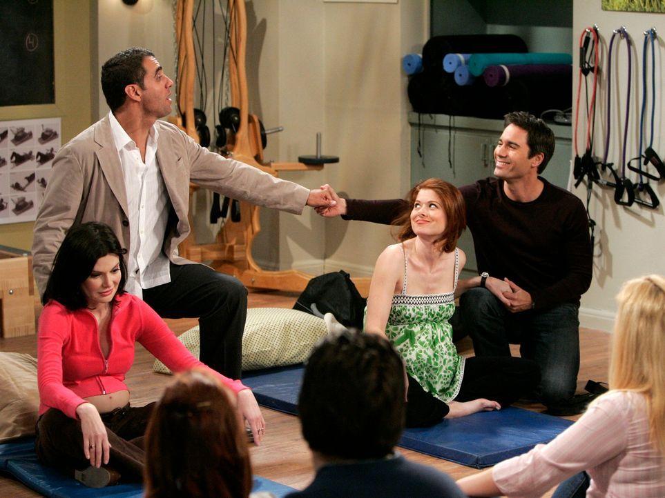 Will (Eric McCormack, r.) und Vince (Bobby Cannavale, 2.v.l.) unterstützten Grace (Debra Messing, 2.v.r.) bei den Geburtsvorbereitungskursen, dennoc... - Bildquelle: Chris Haston NBC Productions