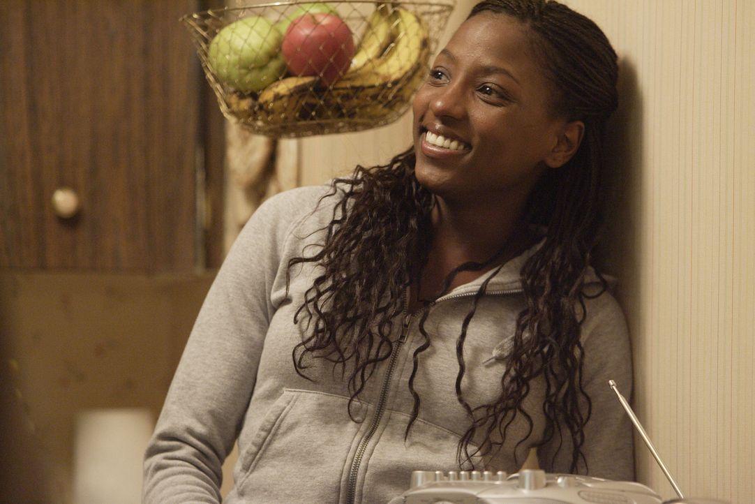 Raya (Rutina Wesley) war Schülerin einer Privatschule, bis ihre Schwester an einer Überdosis starb. Nun muss sie zurück zu ihrer Familie in ihr a... - Bildquelle: Paramount Pictures