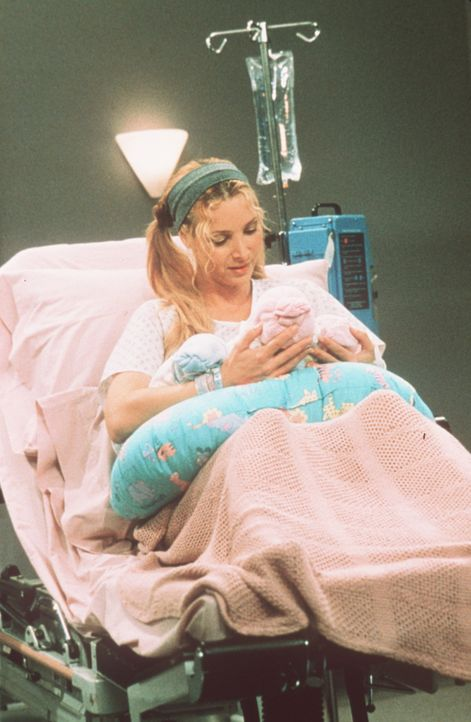Stolze Mutter von Drillingen: Phoebe (Lisa Kudrow). - Bildquelle: TM+  2000 WARNER BROS.