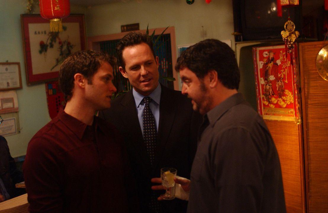 Haben alle ein Geheimnis, das sie bedrückt: (v.l.n.r.) Sean (Steven Pasquale), Johnny (Dean Winters) und Lou (John Scurti) ... - Bildquelle: SONY 2006 CPT Holdings, Inc. All Rights Reserved.
