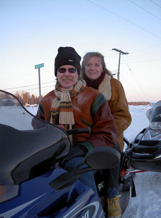 Marion (42) und Peter (52) Ritter aus Gelsenkirchen sind seit zweieinhalb Jahren zusammen. Im Mai 2006 heirateten sie in Kanada. Auf der Hochzeitsre... - Bildquelle: kabel eins