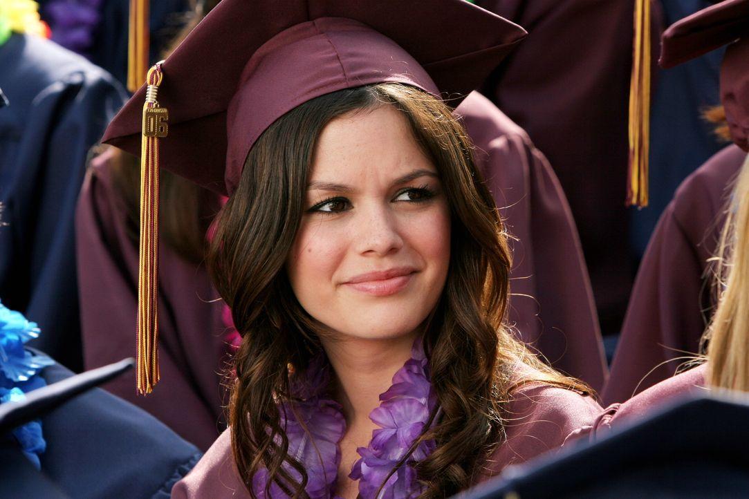 Ist froh ihren Abschluss zu haben: Summer (Rachel Bilson) ... - Bildquelle: Warner Bros. Television