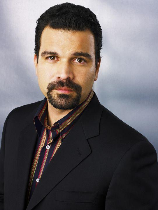 (2. Staffel) - Muss eine schwere Zeit im Gefängnis überstehen: Carlos Solis (Ricardo Antonio Chavira) ... - Bildquelle: 2005 Touchstone Television  All Rights Reserved
