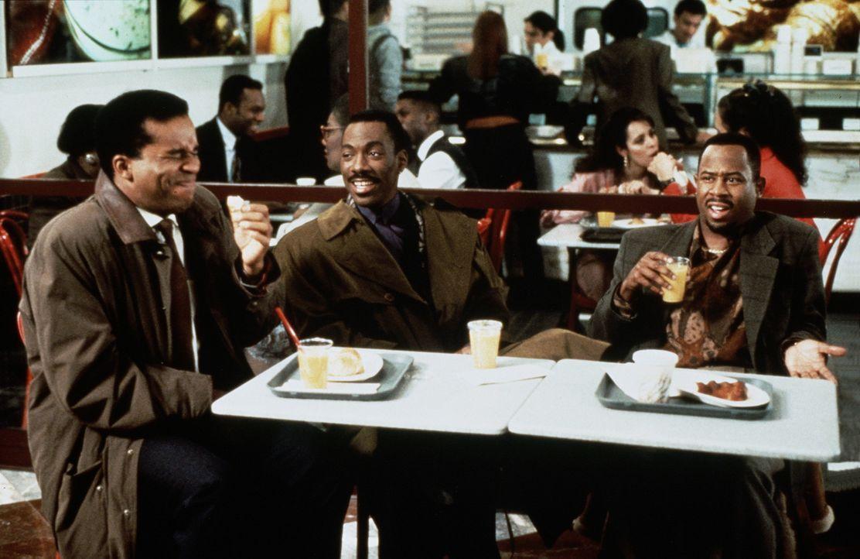 Werbeexperte Marcus (Eddie Murphy, M.) lässt gerne seine Freunde Gerard (David Alan Grier, l.) und Tyler (Martin Lawrence, r.) an seinem unglaublic... - Bildquelle: Paramount Pictures