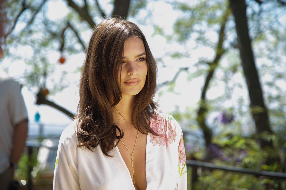 Als sich Cole in James' Freundin Sophie (Emily Ratajkowski) verliebt, setzt er alles, wofür er brennt, aufs Spiel ... - Bildquelle: 2015 STUDIOCANAL S.A. All Rights reserved.