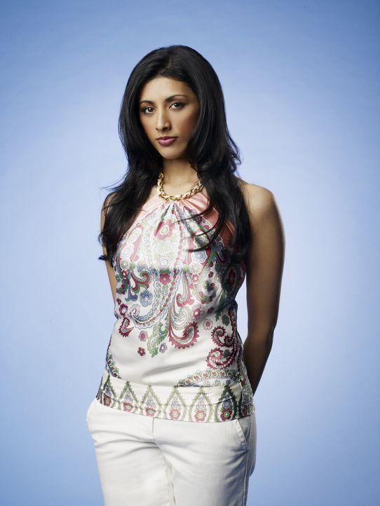 (1. Staffel) - Die attraktive Divya (Reshma Shetty) ist die Assistentin von Dr. Hank Lawson. - Bildquelle: Universal Studios
