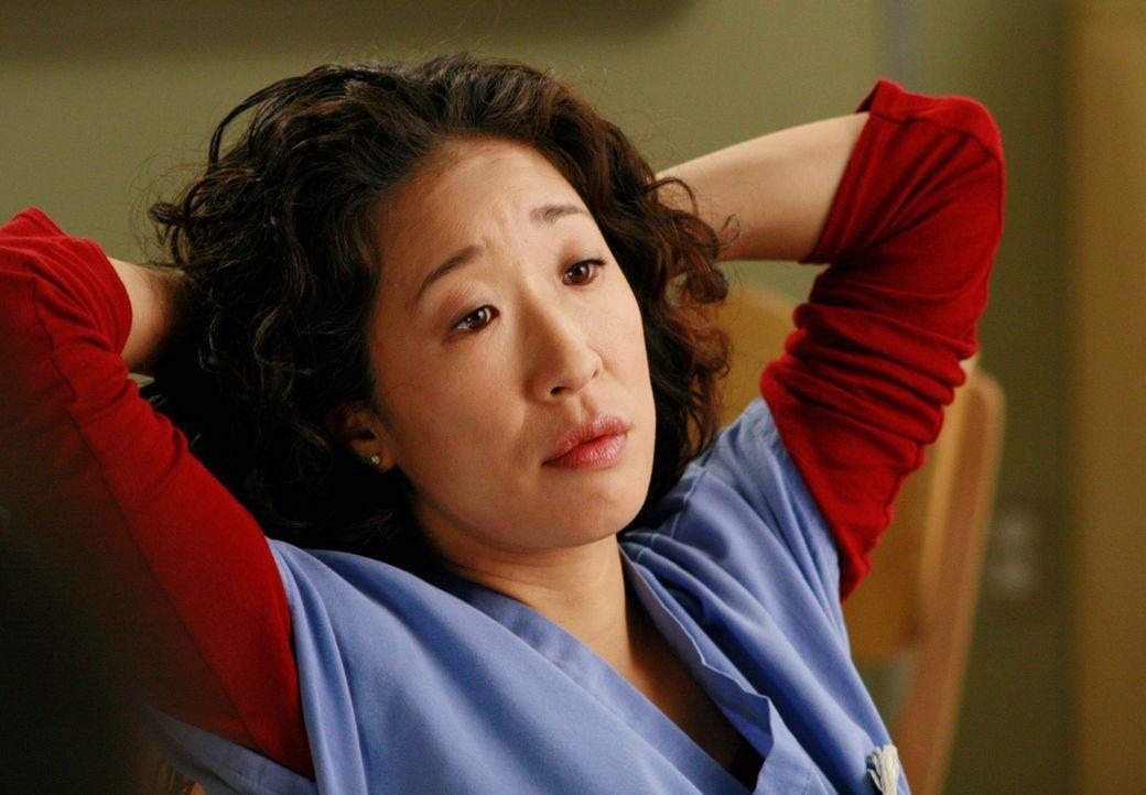 Cristina (Sandra Oh) will nicht länger in Burkes Wohnung leben und bietet sie Webber an, der sich mitten in seiner Scheidung befindet ... - Bildquelle: Touchstone Television
