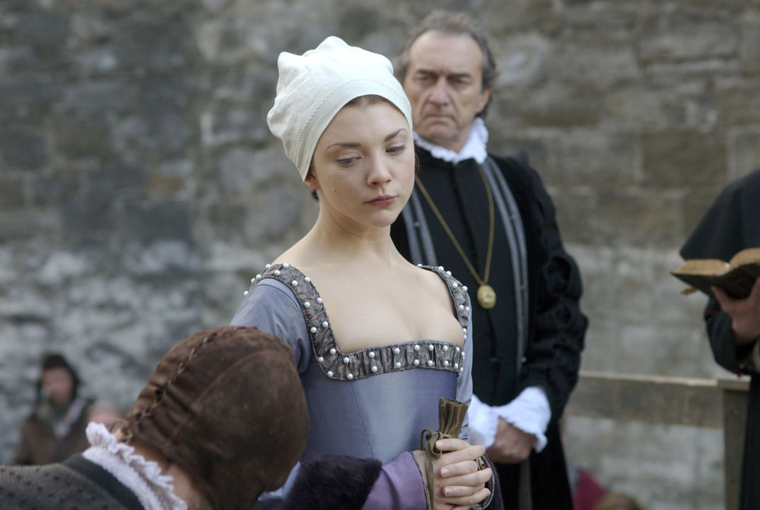Nimmt ihr Schicksal würdig an: Anne Boleyn (Natalie Dormer, M.) ... - Bildquelle: 2008 TM Productions Limited and PA Tudors II Inc. All Rights Reserved.