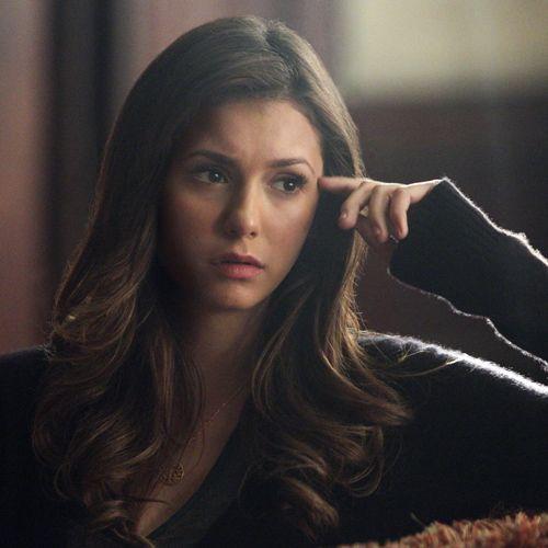 Vampire Diaries Früher und Heute: Elena Heute - Bildquelle: © Warner Bros. Entertainment Inc