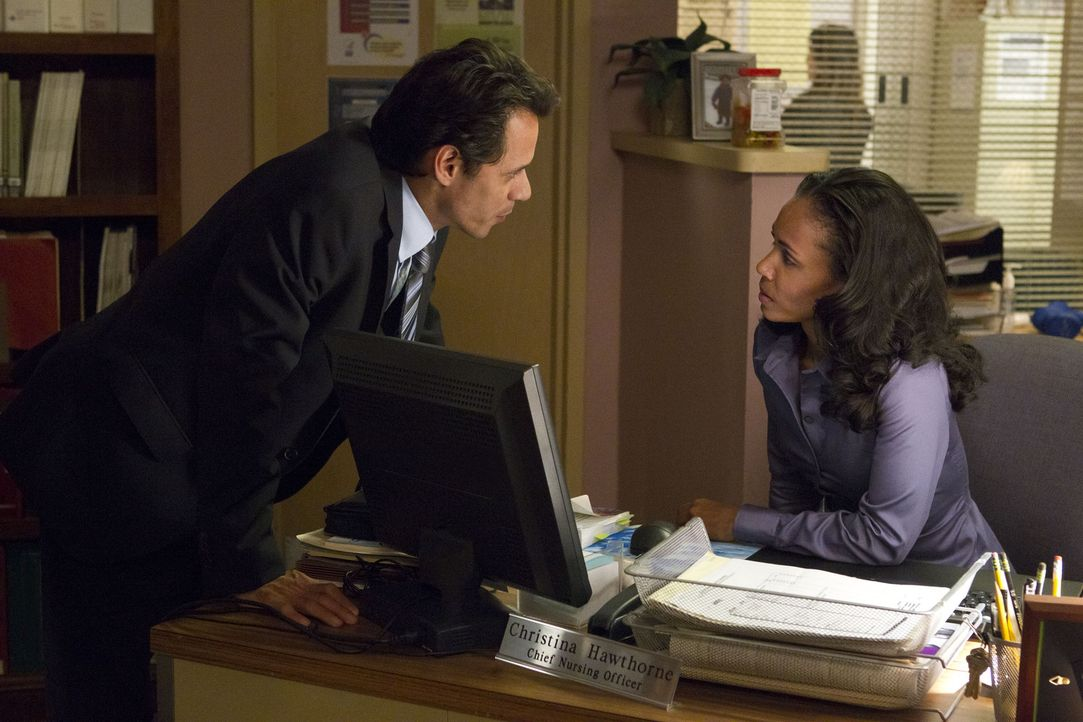 Detective Nick Renata (Marc Anthony, l.) entpuppt sich als wahrer Freund für Christina Hawthorne (Jada Pinkett Smith, r.). Auf ihn kann sie sich im... - Bildquelle: Sony 2009 CPT Holdings, Inc. All Rights Reserved
