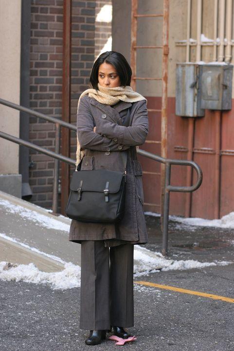 Neela (Parminder Nagra) bekommt die Nachricht, dass sie in der Chirurgie angenommen wurde - kann sich aber trotzdem nicht wirklich freuen, da Michae... - Bildquelle: Warner Bros. Television