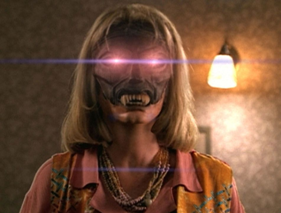 Pat (Nancy Lenehan) ist von einem Dämonen besessen, der alles Leben auslöschen will ... - Bildquelle: TM +   2000 Twentieth Century Fox Film Corporation. All Rights Reserved.