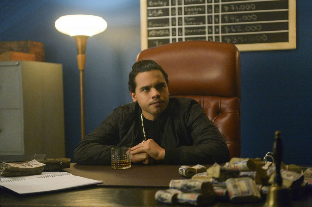 Cisco (Carlos Valdes) - Bildquelle: Sergei Bachlakov 2018 The CW Network, LLC. All Rights Reserved.