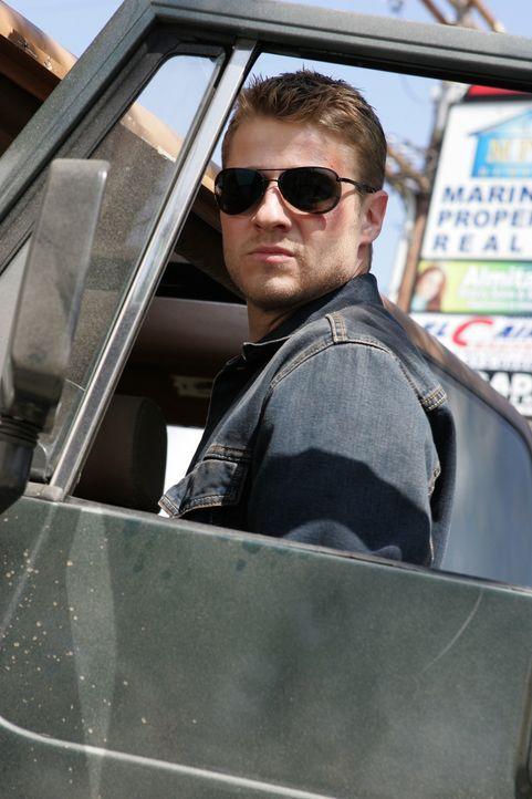Ryan (Benjamin McKenzie) will nach Mexiko fahren, um dort Volchok aufzuspüren ... - Bildquelle: Warner Bros. Television