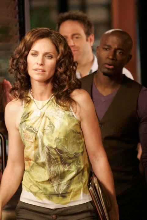 Haben mit privaten Problemen zu kämpfen: Violet (Amy Brenneman, l.), Cooper (Paul Adelstein, M.) und Sam (Taye Diggs, r.) ... - Bildquelle: ABC Studios