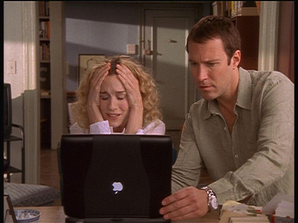 Carries (Sarah Jessica Parker, l.) Laptop stürzt ab, und zwar so, dass er nicht mehr zu retten ist. Leider kann ihr liebster Aidan (John Corbett, r... - Bildquelle: Paramount Pictures