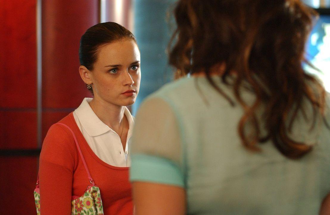 Auf Rory (Alexis Bledel) kommen turbulente Zeiten zu. Sie kommt ihrem Ex-Freund Dean immer näher. Dass dieser mittlerweile einen Ehering trägt, sche... - Bildquelle: 2004 Warner Bros.
